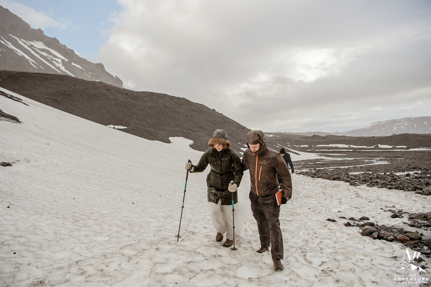 Adventurous Hiking Elopement during Winter in Iceland