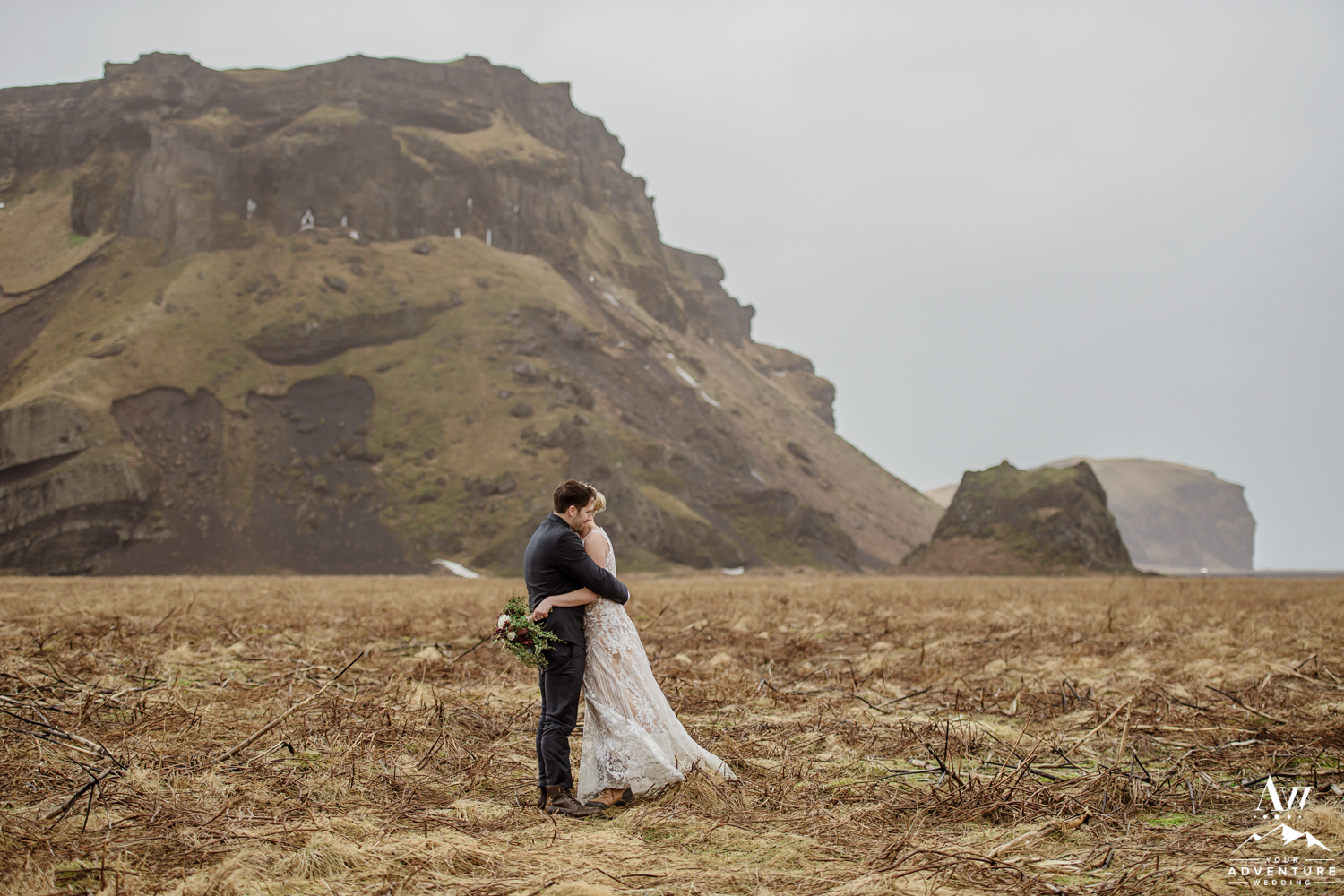 Couple hugging on Iceland Elopement Day