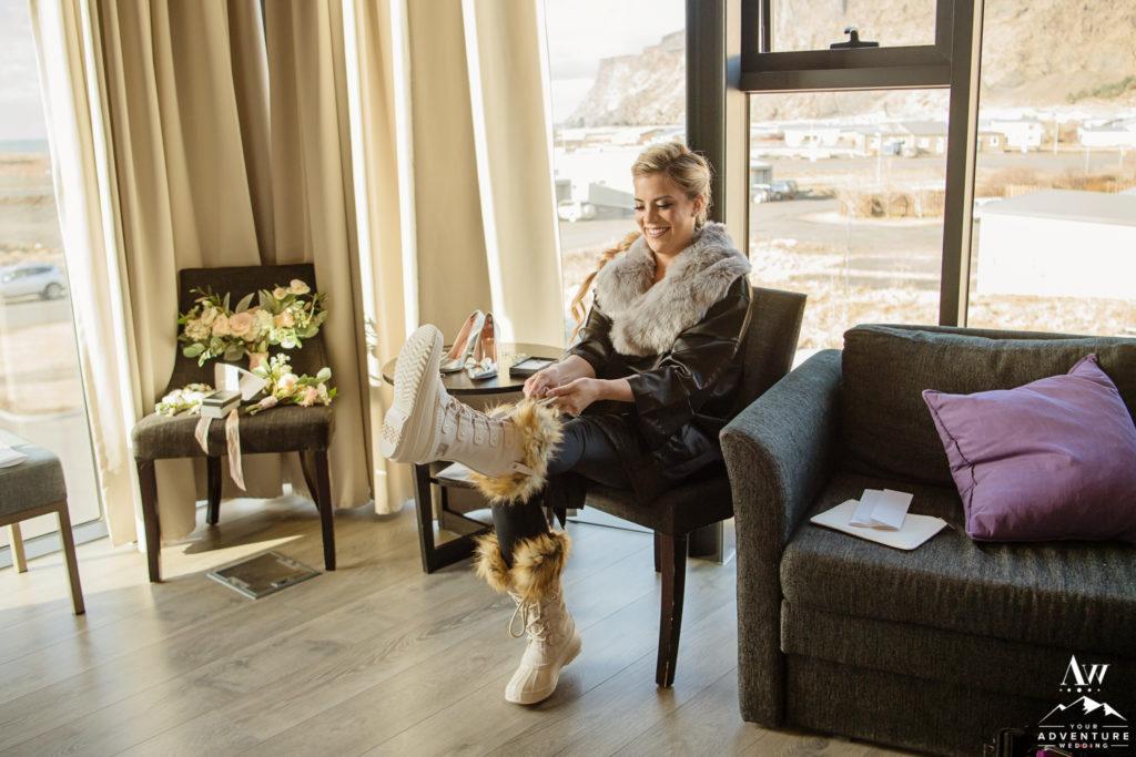 Bride at Icelandair Vik getting ready