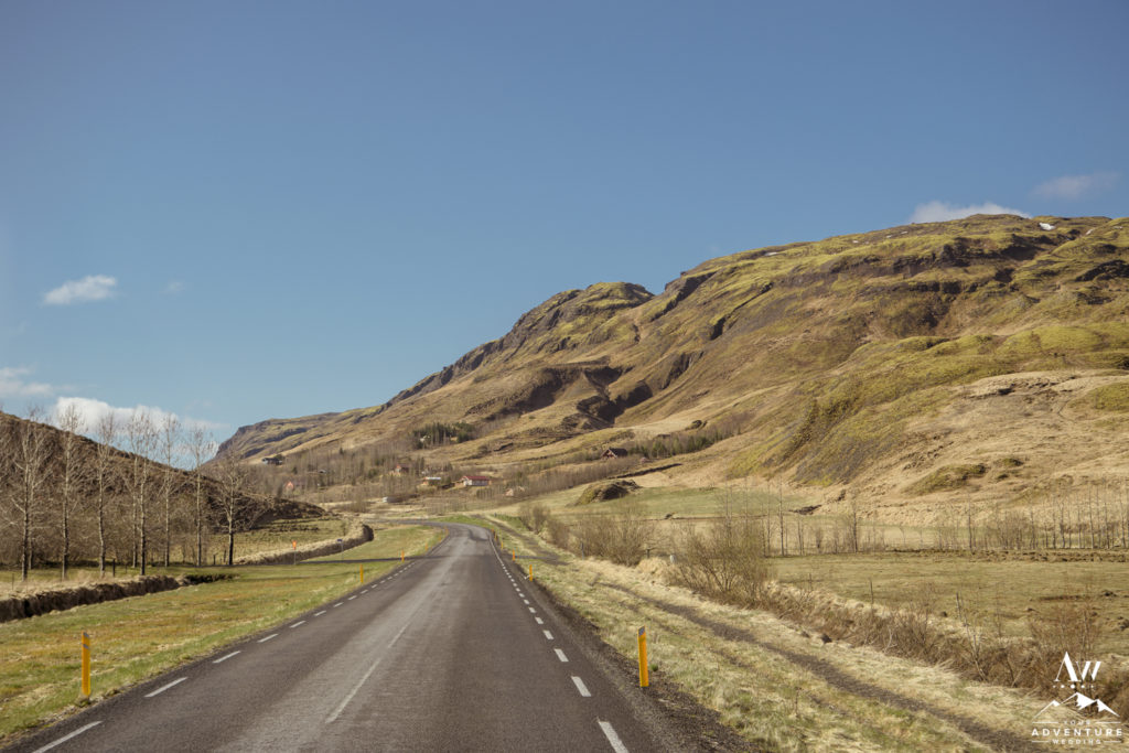 Road photo on the way to an Iceland Elopement