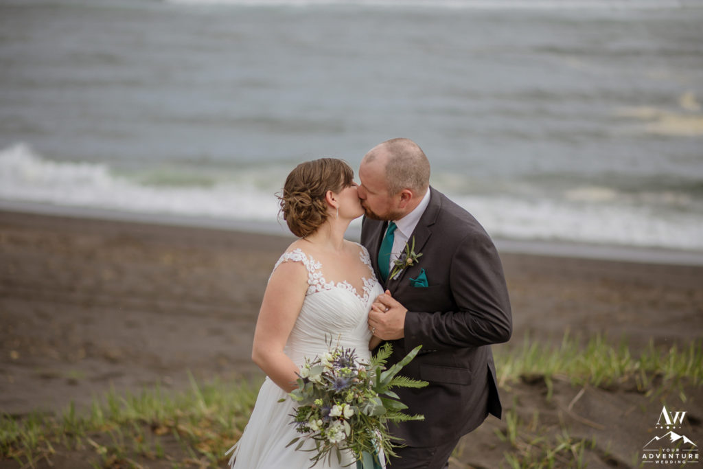 Iceland Wedding Couple kissing on the beach