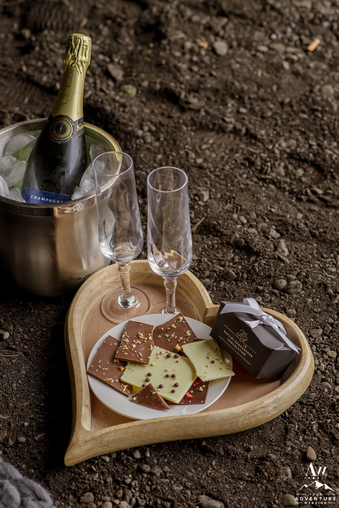 HR Icelandic Chocolates for Luxury Picnic