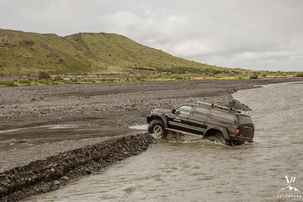 Iceland elopement super jeep crossing Crossa