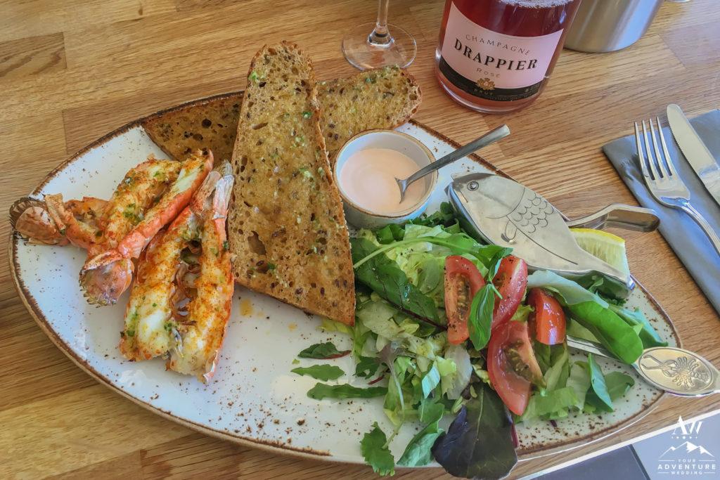 Humarhöfnin Veitingahús lobster meal