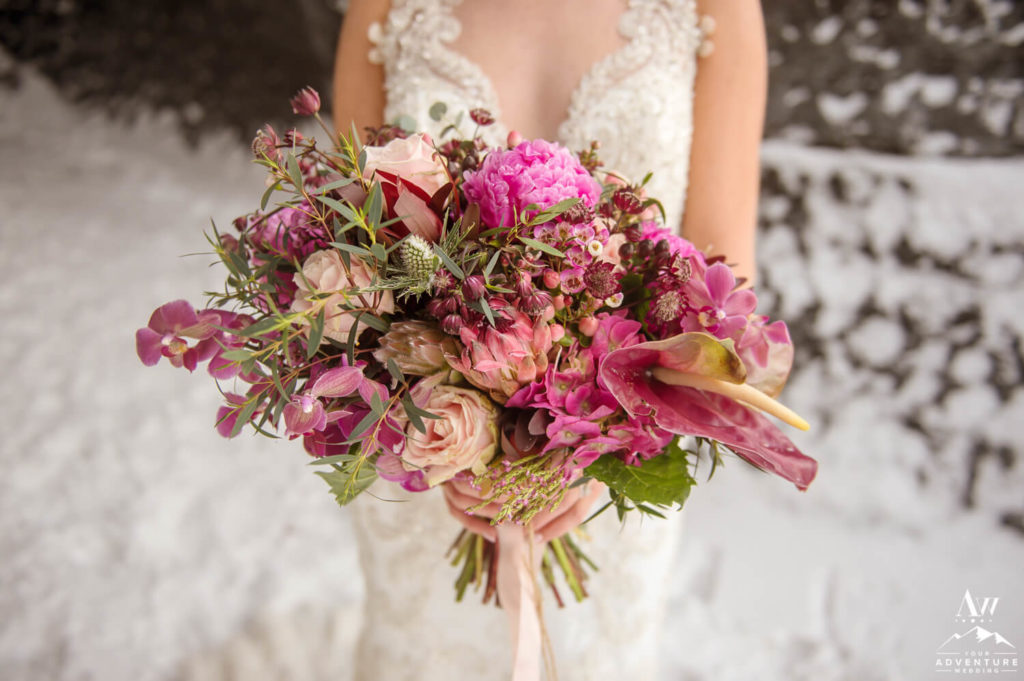 Adventure wedding bouquet in Iceland Pinks