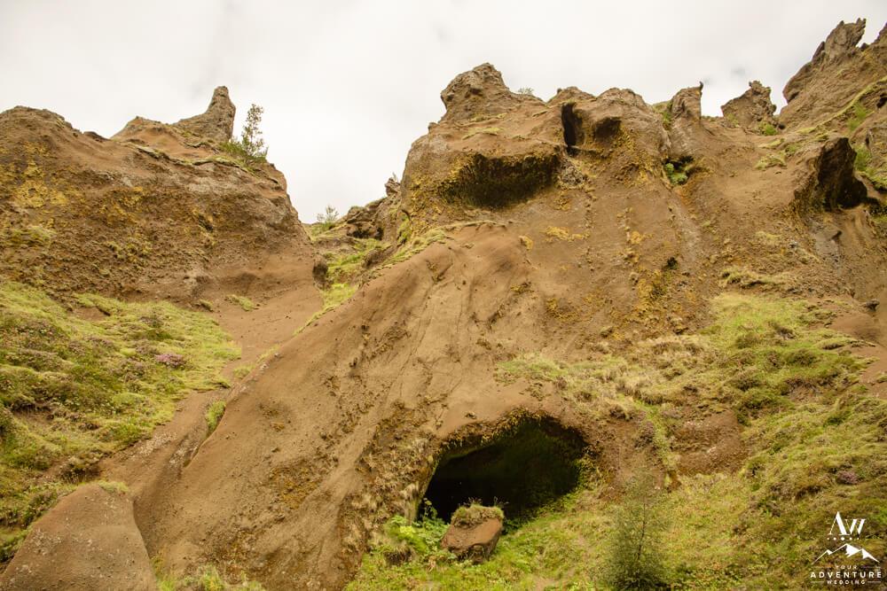 Stakkholtsgjá Cave