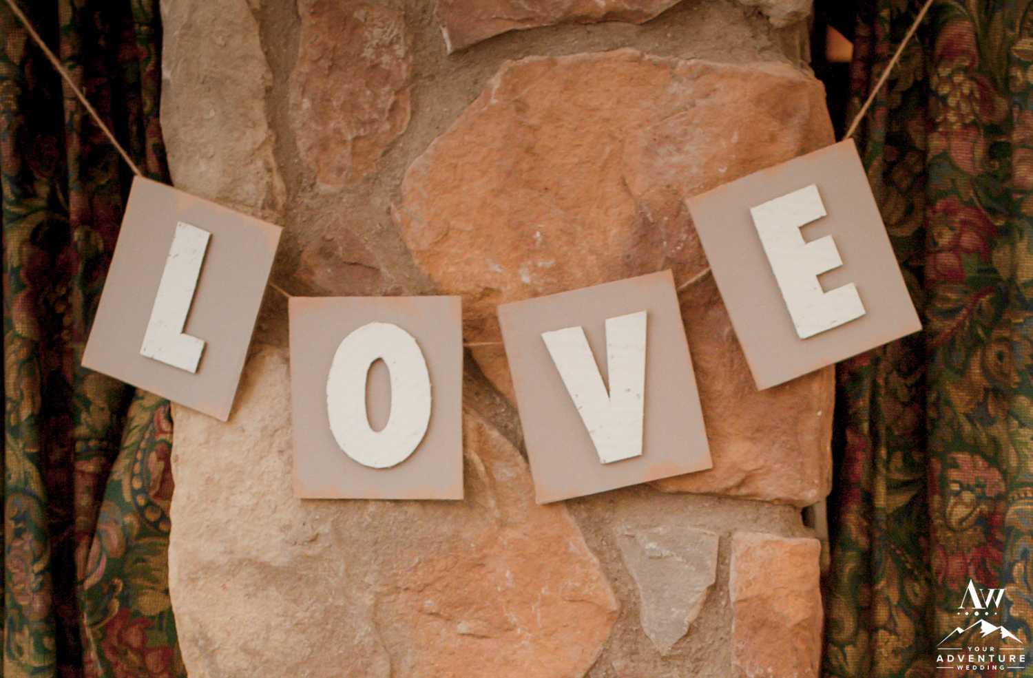 iceland-wedding-rental-cardboard-love-sign