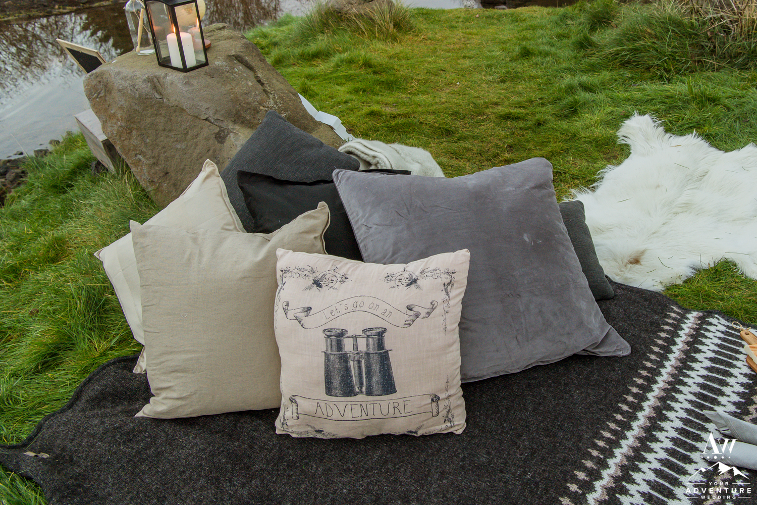 iceland-wedding-rental-pillows