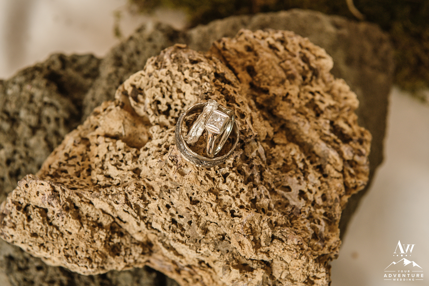 iceland-wedding-rings-your-adventure-wedding
