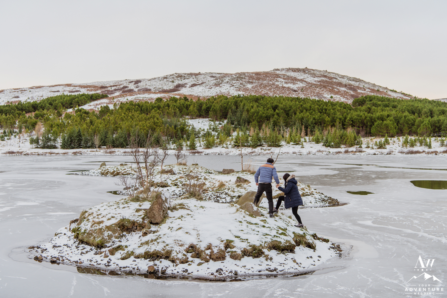 surprise-marriage-proposal-in-iceland-22