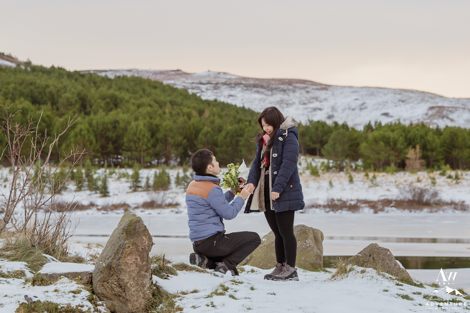 surprise-marriage-proposal-in-iceland-6